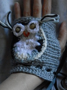 Sparkle&Doom Designs Owly Mitts