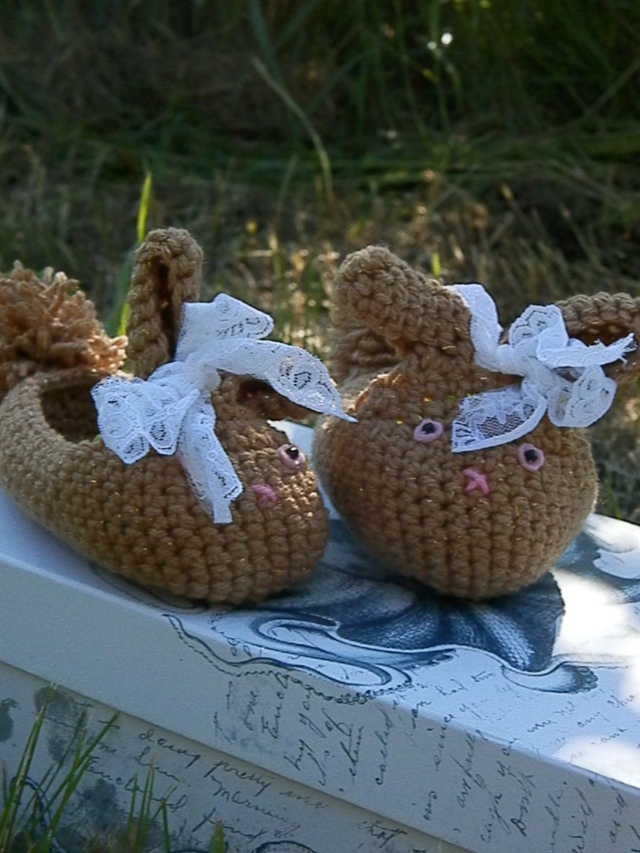 March Hare Slippers: Crochet Today! March/April 2013