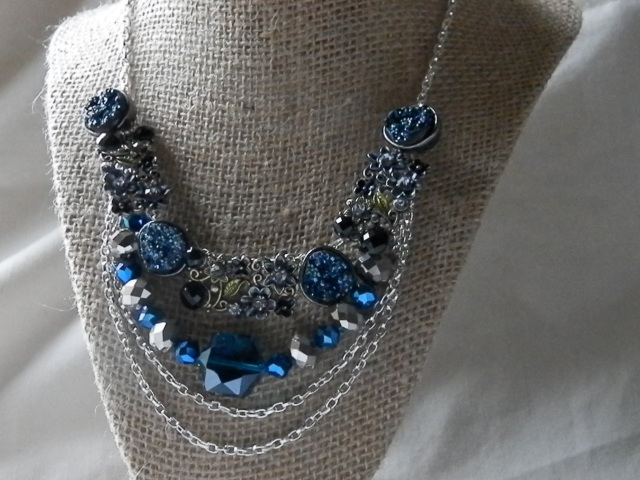 The Statement Necklace: create a stunning necklace sure to draw admiring glances