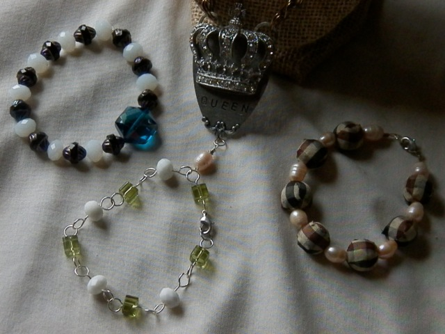 Jewellery 101:  Learn the basics! Make a necklace, and 3 bracelets in this FREE class!!