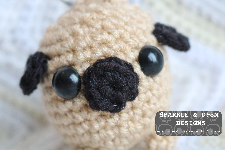 Ravelry: Pug keychain pattern by Evano Crochet | 4000x6000